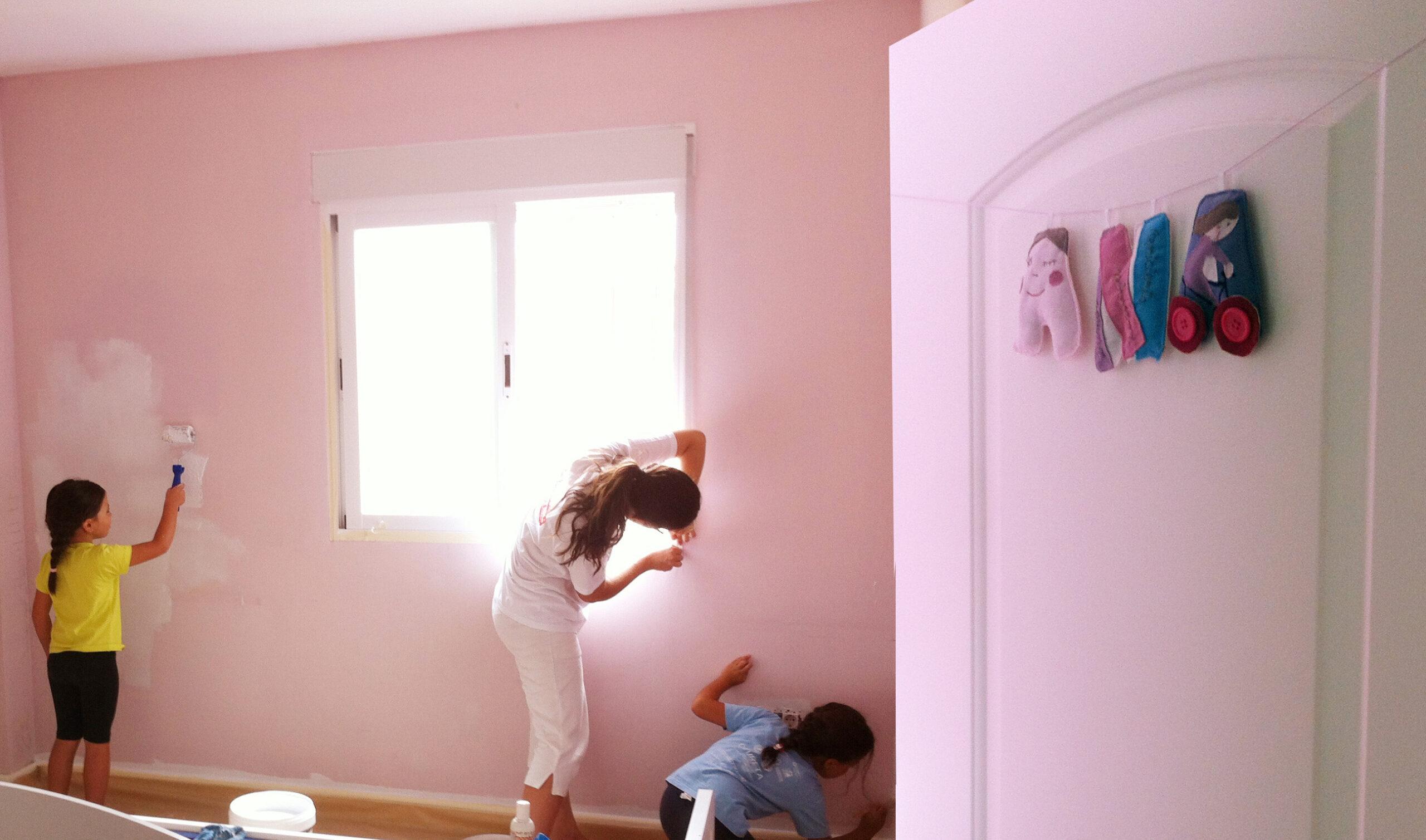 Pared de habitación con dibujo pintado