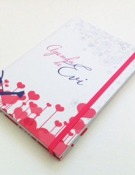 Agenda-Jardineria-corazones-regadera-flores3